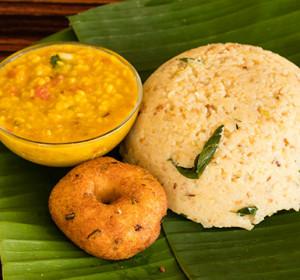 Venn Pongal/ Khara Pongal Restaurant Style