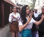 Janhvi Kapoor's response on being called Sara Ali Khan is worth a watch