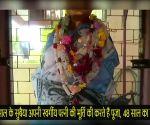 केरल: सुबैया करते हैं पत्नी की पूजा, मंदिर में रखी मूर्ति