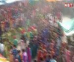 इंदौर के करीब अलिराजपुर जिले में भगोरिया मेले में बिखरे होली के रंग