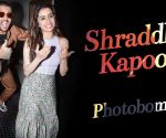 Shraddha Kapoor photobombed by Riteish Deshmukh