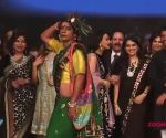 This happens when Sunil Grover aka 'Rinku Bhabhi' walks the ramp