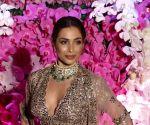 Wedding bells around the corner? Malaika Arora shares picture in bridal attire