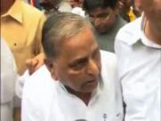 Bharat Bandh: Mulayam avoids sharing dais with BJP