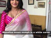 Bhojpuri star Monalisa stuns in her 'desi' avatar!