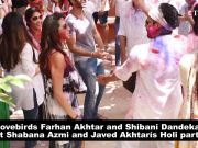 Farhan Akhtar and Shibani Dandekar dance their heart out at Shabana Azmi's Holi bash