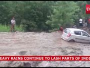 Heavy rains lash parts of India, many states face flood-like situation