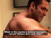 Salman Khan goes shirtless, flaunts his chiseled body
