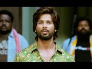 Shahid Kapoor gets violent - R...Rajkumar (Dialogue Promo 1)