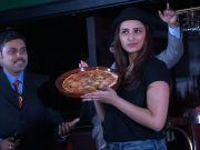 Watch: Parineeti Chopra making tasty pizzas