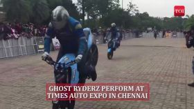 Bikers impress Chennai crowd with wheelies, stoppies and burnouts