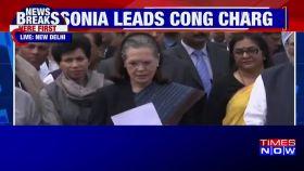 Sonia Gandhi meets President Kovind, submits memorandum over Delhi violence