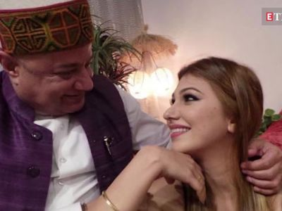 'Bigg Boss 12': Jasleen Matharu's father was shocked to know about his daughter's relationship with Anup Jalota