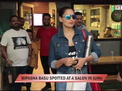 Bipasha Basu spotted at a salon in Juhu
