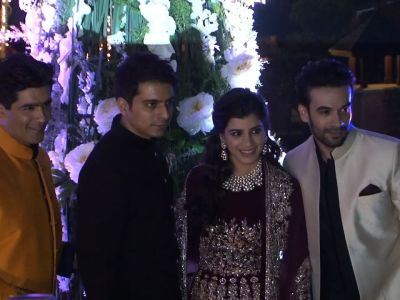 Bollywood gathers at Manish Malhotra's niece Riddhi's sangeet