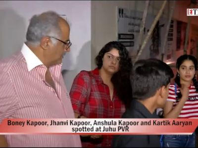 Boney Kapoor's movie night with daughters Janhvi Kapoor and Anshula Kapoor