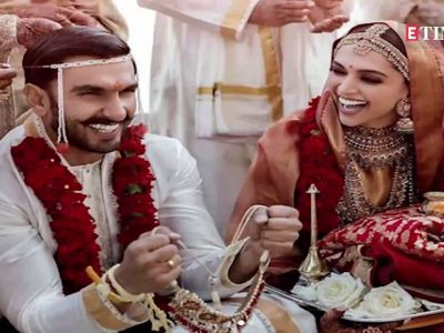 Deepika Padukone and Ranveer Singh's new pics are pure love!
