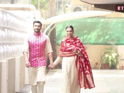 Deepika Padukone at Ranveer Singh's residence for the Griha Pravesh