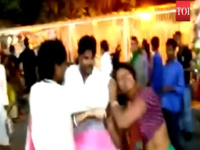 Flower vendors clash outside Ujjain's Mahakaleshwar Temple