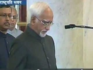 Hamid Ansari takes oath for his second term as Vice Prez