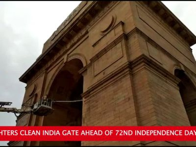 Independence Day: Fire fighters clean India Gate in Delhi