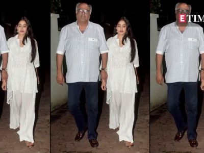 Janhvi  Khushi and Boney Kapoor snapped post dinner at Arjun Kapoor s residence