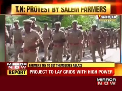 Protest in Salem: Farmers try to set themselves ablaze