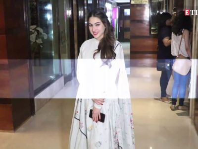 Sara Ali Khan introduces mommy Amrita Singh's 'favourite child' and it's not her!