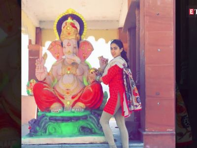 Shilpa Shetty brings home Green Ganesha, Dia Mirza praises her for setting an example