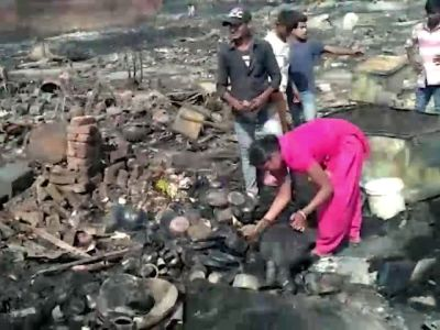 Slum dwellers left homeless after fire in Delhi's Rohini