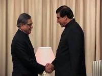 SM Krishna meets Pakistan PM