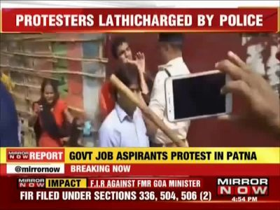 Sub inspector exam paper leak: Patna police lathicharge protesters, many injured