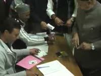 Virbhadra singh casts his vote, hopes to regain power